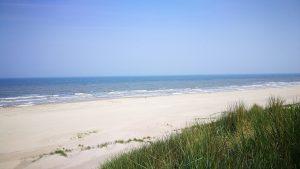 Volgens onderzoek van travelbird.nl het duurste strand van Nederland.