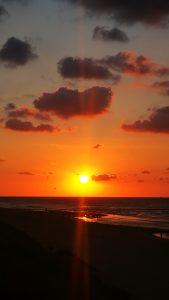 Voor het invallen van de duisternis, de zonsondergang op Vlieland
